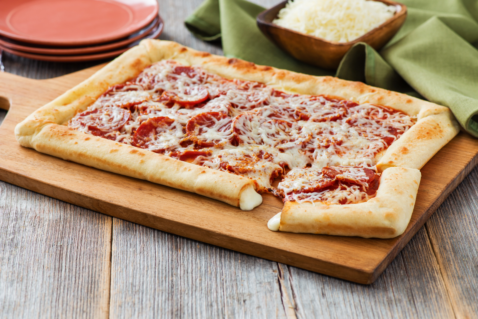 Stuffed Crust Pizza Recipe | Sargento® Shredded 6 Cheese ... Stuffed Crust Pizza