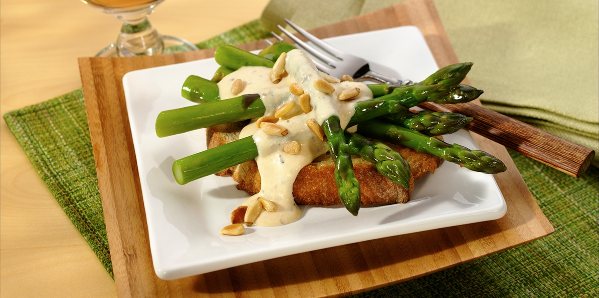 Asparagus Toasts with Mozzarella