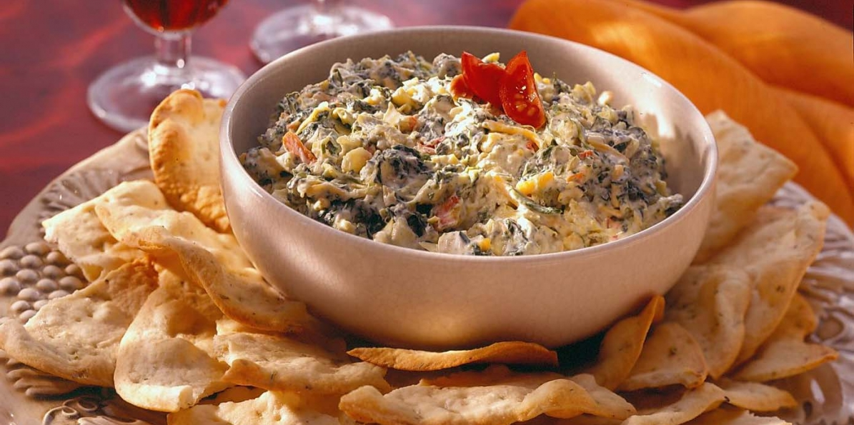 Easy Cheesy Spinach & Artichoke Dip