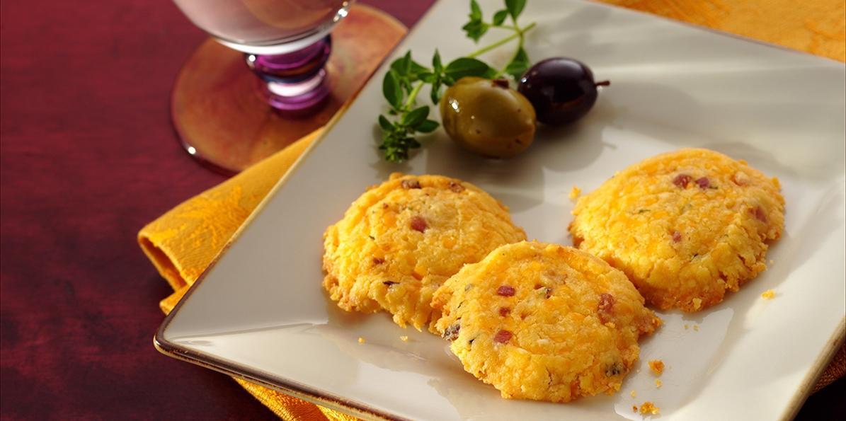 Mini Cheddar and Pancetta Crisps