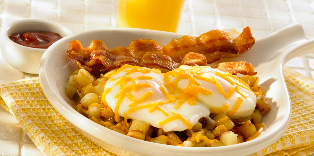 Cheddar Hash Browns with Poached Eggs & Red Sauce
