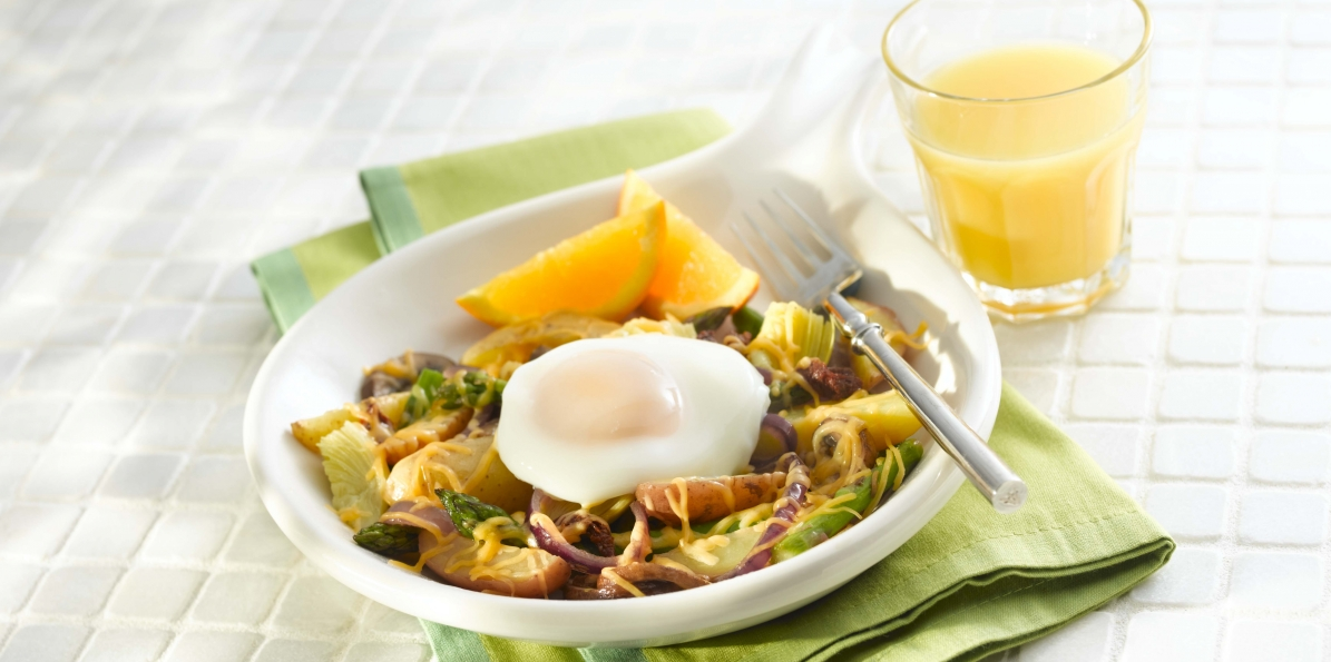 Poached Egg with Cheddar, Asparagus, and Potatoes