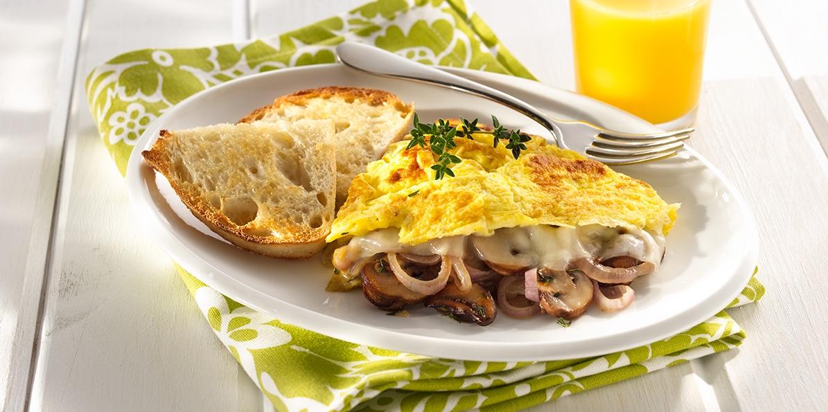 Easy Mushroom & Swiss Omelet