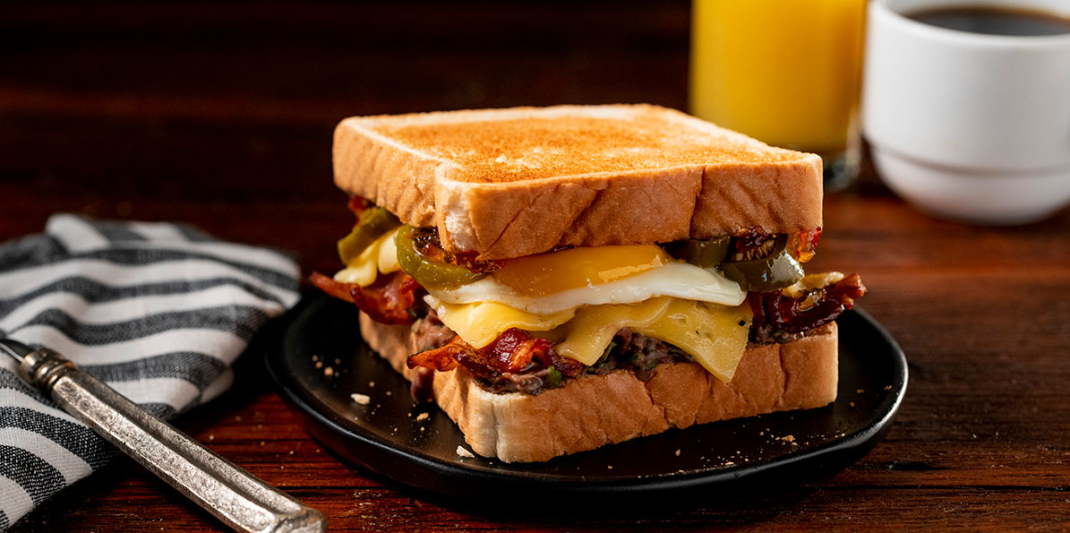 Bacon, Gouda & Black Bean Breakfast Sandwiches