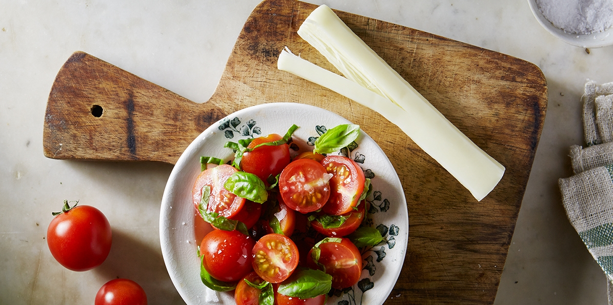 Tomato Basil 'n' Cheese Snack