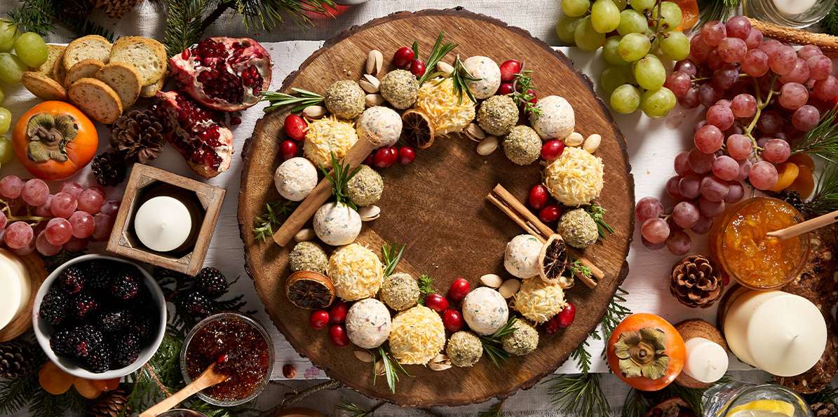 Holiday Cheeseball Wreath